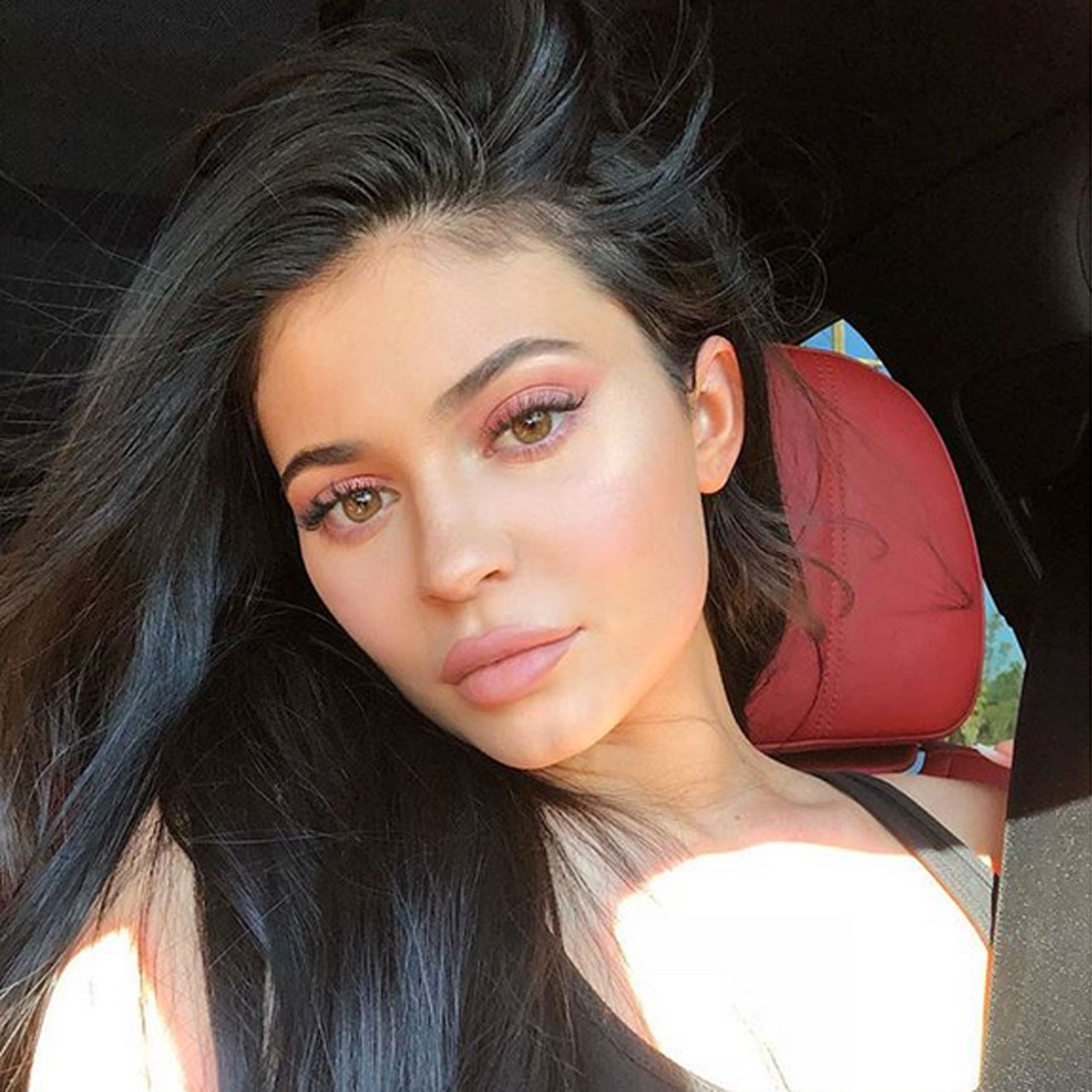 Kylie Jenner: Own insta filter!