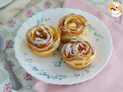 Roses of puff pastry: for a floral snack