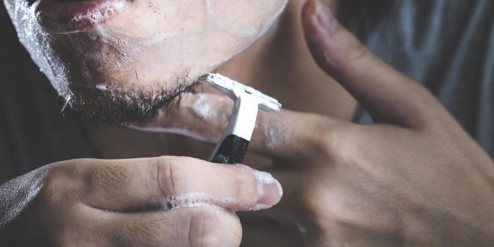 Gentlemen: Do you know how to handle your razor?