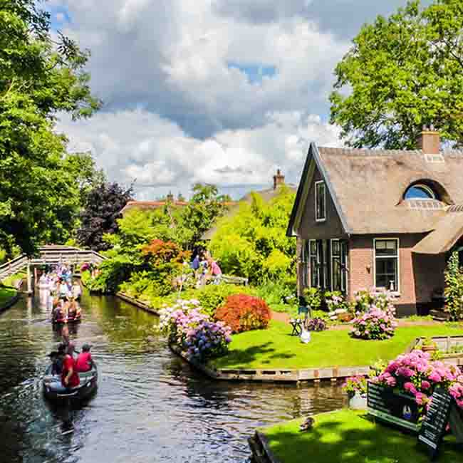 10 cities with beautiful canals