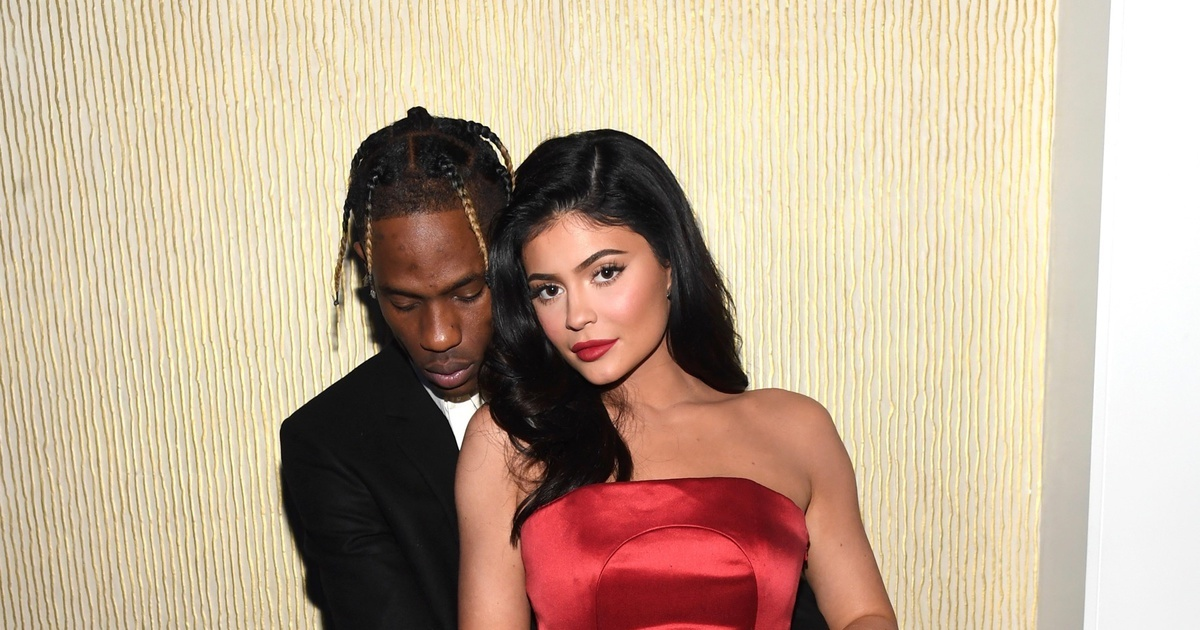 Kylie Jenner and Travis Scott's holiday photos are FIRE