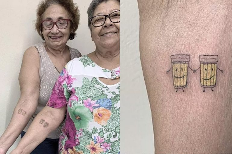 Elderly women make tattoos of beer glasses to celebrate 30 years of friendship