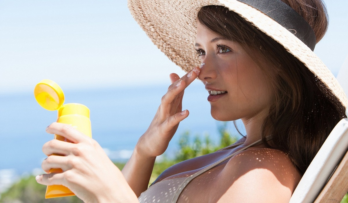 7 body parts to remember when you put sunscreen