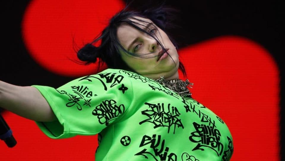 Billie Eilish feet injuries